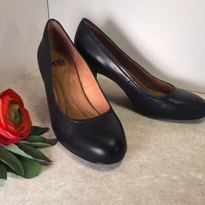 Sofft Classic black leather comfort heels 8M